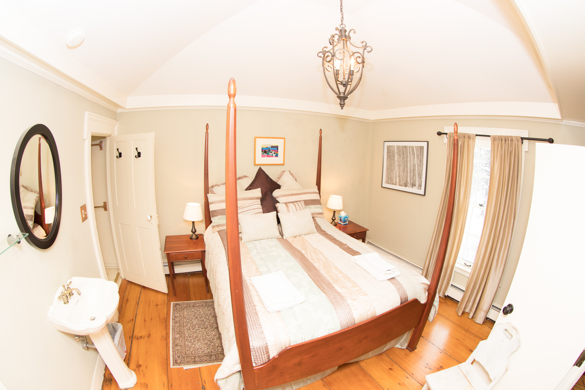 Vermont Room - Middlebury Lodging
